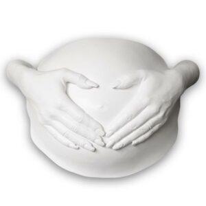 Heart Belly Gipsabdruck Babybauch mit Händen