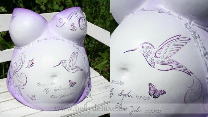 Gipsabdruck Babybauch lila mit Kolibri und Ornamenten Motivfolie