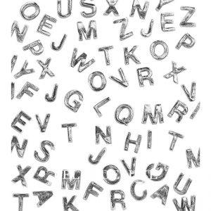 Buchstaben aus Wachs silber