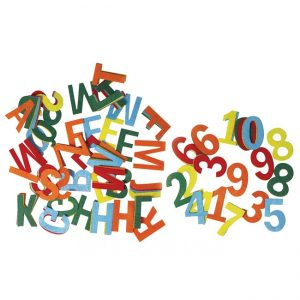 Buchstaben und Zahlen aus Filz