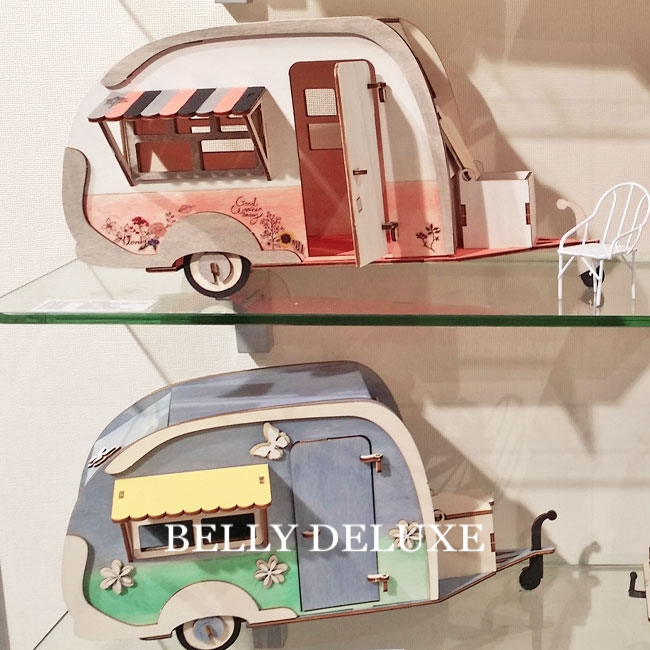 holzbausatz 3d wohnwagen belly deluxe. Black Bedroom Furniture Sets. Home Design Ideas