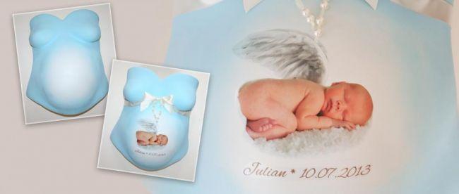 Baby Foto auf Gipsabdruck aufkleben