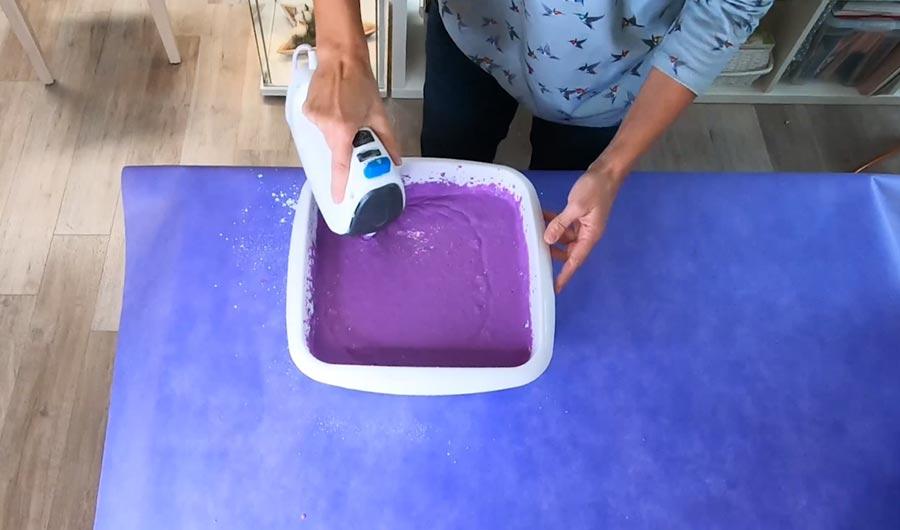 Alginat verfärbt sich beim Anmischen lila